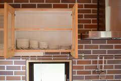 吊り戸棚の様子。(2013-04-05,共用部,KITCHEN,1F)