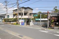 江ノ島電鉄線・由比ヶ浜駅の様子。(2013-04-05,共用部,ENVIRONMENT,1F)