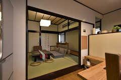 2間続きで、となりは和室です。(2016-06-21,共用部,LIVINGROOM,1F)
