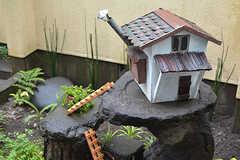 小さな家にはハシゴを使って行かなければいけないようです。(2016-06-21,共用部,OTHER,1F)