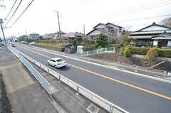 窓から見た景色。目の前は箱根駅伝のコースのため、部屋から応援ができます。(201号室)(2016-03-28,専有部,ROOM,2F)