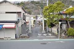 吾妻山の入り口には鳥居があります。(2016-03-28,共用部,ENVIRONMENT,1F)