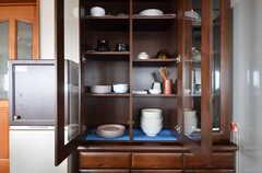 食器棚の様子。(2015-10-29,共用部,KITCHEN,1F)