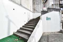 階段の先がシェアハウスです。(2016-11-30,共用部,OTHER,1F)