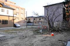 庭の様子。部屋ごとに区分けされた菜園を作る予定なのだそう。(2014-03-24,共用部,OTHER,1F)
