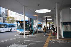 各線・川崎駅のバスターミナルの様子。(2014-03-24,共用部,GARAGE,1F)