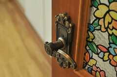 ドアノブも豪奢な雰囲気。(101号室)(2014-06-17,専有部,ROOM,1F)
