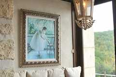 バレリーナの絵画がよく似合います。(2014-05-27,共用部,LIVINGROOM,2F)