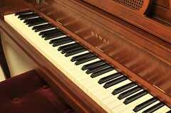 ピアノはKAWAI。(2014-05-27,共用部,PC,2F)