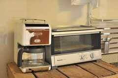 コーヒーメーカーとトースターの様子。(2014-05-27,共用部,KITCHEN,1F)
