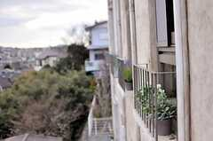 窓から覗くと気分はもうエズ村の住人。(310号室)(2014-05-27,専有部,ROOM,3F)
