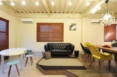 ソファも置かれています。(2011-12-02,共用部,LIVINGROOM,1F)