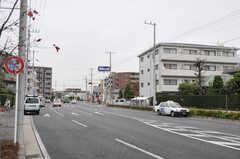 JR南武線・武蔵新城駅からシェアハウスへ向かう道の様子。(2011-12-02,共用部,ENVIRONMENT,1F)