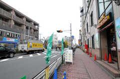 JR南武線・武蔵新城駅前の様子。(2011-12-02,共用部,ENVIRONMENT,1F)