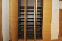 靴箱の様子。(2010-11-10,周辺環境,ENTRANCE,1F)
