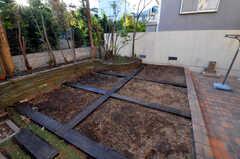 部屋ごとに菜園付きです。(2010-11-10,共用部,OTHER,1F)