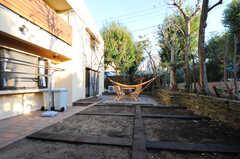 庭全体を見るとこんな感じ。(2010-11-10,共用部,OTHER,1F)