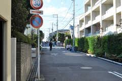 シェアハウス前の道路。(2010-11-10,共用部,ENVIRONMENT,2F)