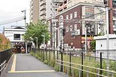 小田急線・鶴川駅周辺の様子2。(2017-05-25,共用部,ENVIRONMENT,1F)