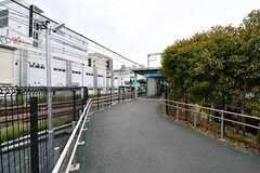 小田急線・鶴川駅の様子。(2017-05-25,共用部,ENVIRONMENT,1F)