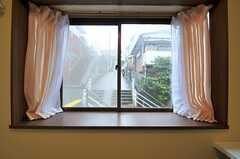 窓の外は階段。(204号室)(2013-04-02,専有部,ROOM,2F)
