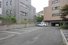 駐車場の様子。(2013-08-22,共用部,GARAGE,4F)