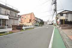 小田急小田原線・鶴川駅からシェアハウスへ向かう道の様子。(2015-03-10,共用部,ENVIRONMENT,1F)