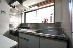 キッチンの様子。(2013-12-24,共用部,KITCHEN,1F)
