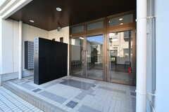 玄関ドアの様子。(2021-06-10,周辺環境,ENTRANCE,1F)