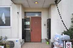シェアハウスの正面玄関。(2014-04-01,周辺環境,ENTRANCE,1F)