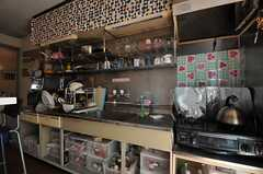 キッチンの様子。(2014-04-01,共用部,KITCHEN,1F)