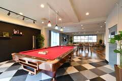 ビリヤード台のスペースは床の模様が異なります。(2017-04-27,共用部,LIVINGROOM,1F)