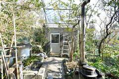庭には離れがあります。今後クラウドファンディングで改装する予定とのこと。(2019-03-14,共用部,OTHER,1F)