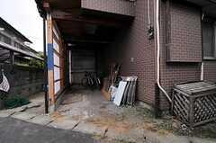 自転車置場の様子。  (2011-06-01,共用部,GARAGE,1F)
