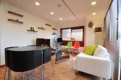 シェアハウスのラウンジの様子。カフェのような空間です。(2010-04-26,共用部,LIVINGROOM,3F)