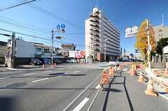 小田急小田原線・向ヶ丘遊園駅からシェアハウスへ向かう道の様子。(2013-11-21,共用部,ENVIRONMENT,1F)