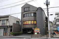 建物の外観。3、4階がシェアハウスです。(2012-04-13,共用部,OUTLOOK,1F)