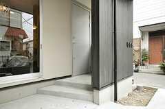 玄関の様子。(2010-03-09,周辺環境,ENTRANCE,1F)