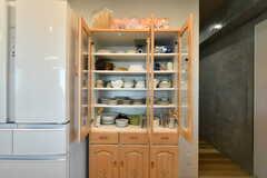 食器棚の様子。部屋ごとの収納スペースは、これから棚が用意される予定です。(2021-02-16,共用部,KITCHEN,9F)