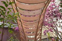 中央のオブジェは、ビルに入居している3Dプリンタの工房で作ったそう。(2018-04-03,周辺環境,ENTRANCE,1F)