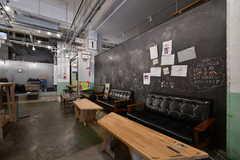 黒板にはイラストがいっぱい。(2020-07-30,共用部,OTHER,1F)
