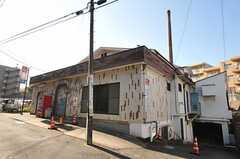 小田急線・読売ランド前駅からシェアハウスへ向かう道にある銭湯。(2011-12-19,共用部,ENVIRONMENT,1F)