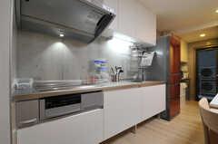 キッチンの様子。(2014-01-24,共用部,KITCHEN,1F)