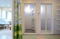 シャワールームの様子。(2013-07-26,共用部,BATH,4F)