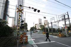 JR南武線・向河原駅前の様子。武蔵小杉駅も徒歩圏内です。(2011-11-01,共用部,ENVIRONMENT,1F)