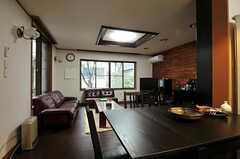 キッチンから見たリビングの様子。(2012-03-23,共用部,LIVINGROOM,1F)