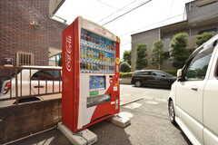 自動販売機もマンション敷地内に設置されています。(2016-09-06,共用部,GARAGE,1F)