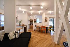 リビングの様子6。奥にキッチンがあります。(2017-02-13,共用部,LIVINGROOM,1F)