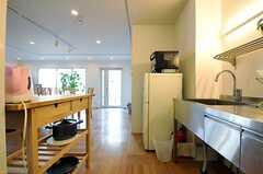 キッチンの様子2。(2013-12-17,共用部,KITCHEN,1F)