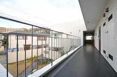 外廊下の様子2。(2013-12-17,共用部,OTHER,2F)